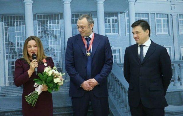 Сулейман Керимов с женой Фирузой и политиком Андреем Воробьевым ©Фото из личного архива