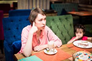 Дарья Куматренко с дочерью Алисой ©Фото Елены Синеок, Юга.ру