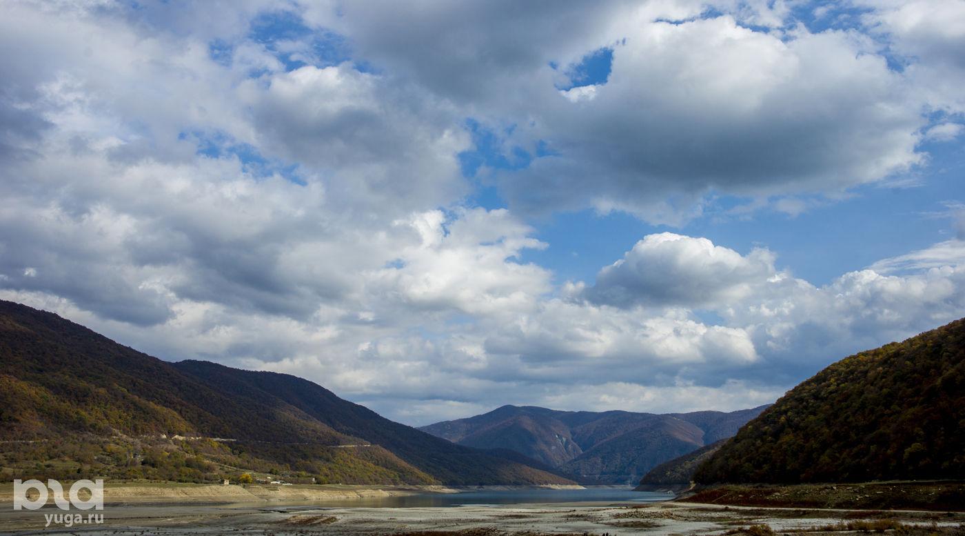 На автомобиле в Грузию. Горы Кавказа ©Фото Евгения Мельченко, Юга.ру