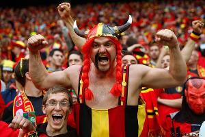 Болельщики сборной Бельгии по футболу ©Фото из официального аккаунта сборной Бельгии по футболу в Facebook, facebook.com/BelgianRedDevils