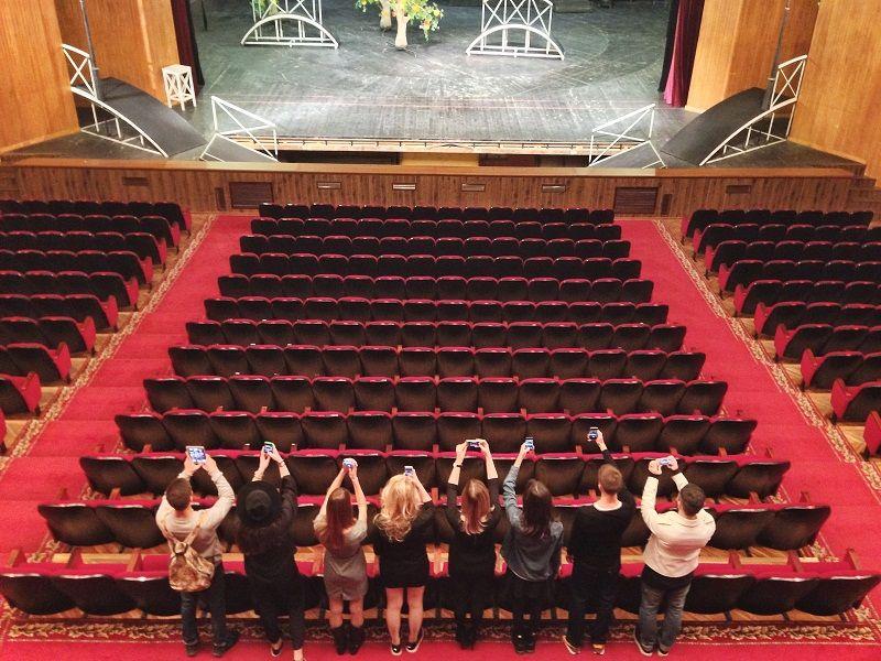 Драм театр краснодар афиша молодежный театр на фонтанке в спб купить билет