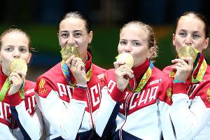 Сборная России по фехтованию на саблях на Играх-2016 ©tass.ru