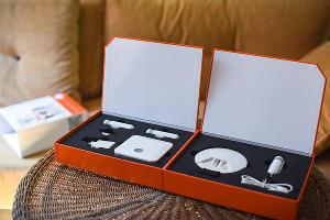 Упаковка контроллера и датчиков расширенного комплекта «Умный дом» от «Ростелекома» ©Фото Елены Синеок, Юга.ру