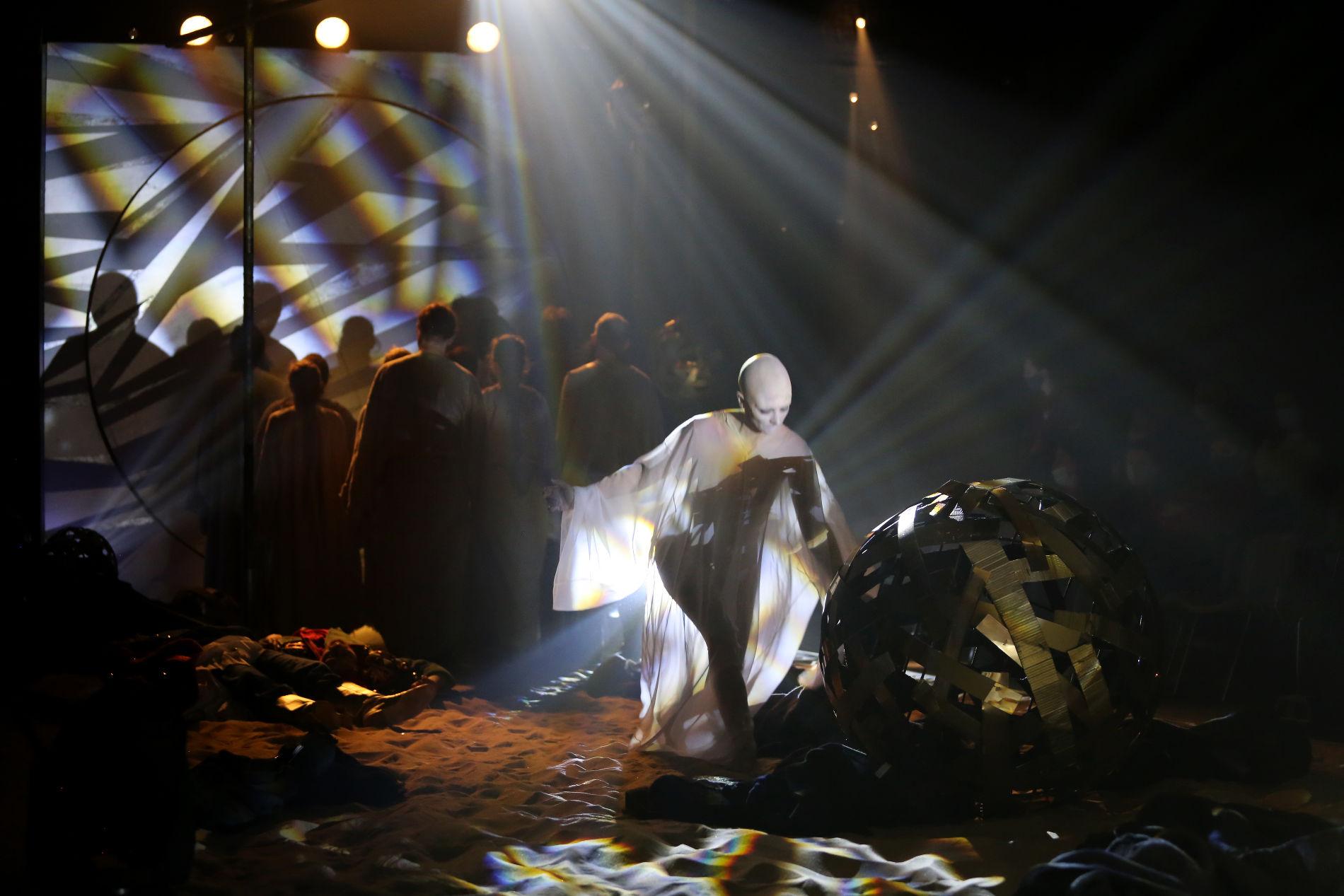 Кадр из спектакля «Золотой петушок» ©Фото Марины Богдан