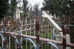 Кладбище ©Фото Елены Синеок, Юга.ру