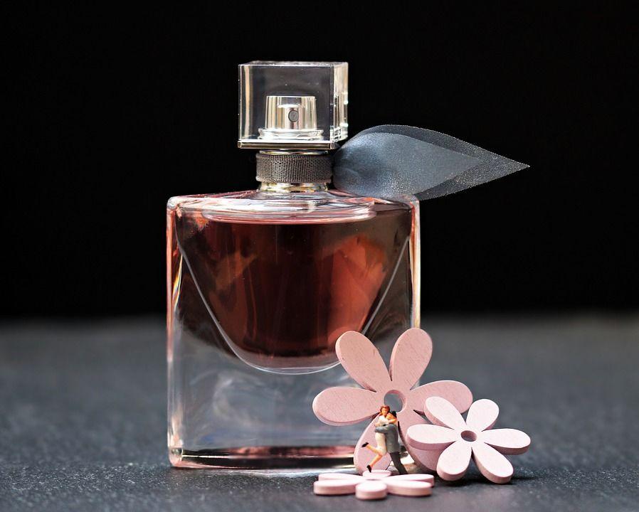 Роспотребнадзор дал совет при выборе парфюма к8Марта
