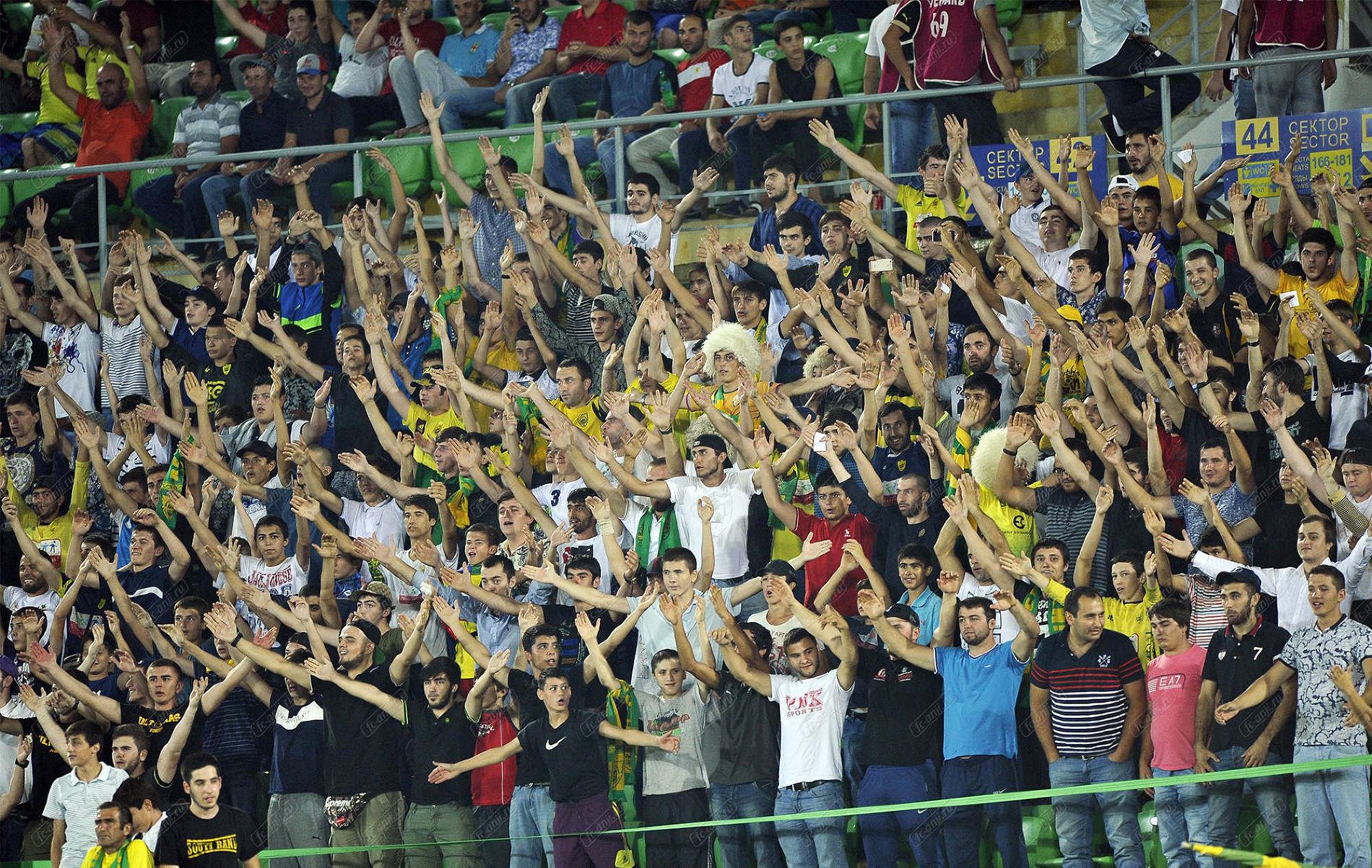 РФС рассмотрит ужесточение штрафов для клубов занецензурную брань фанатов
