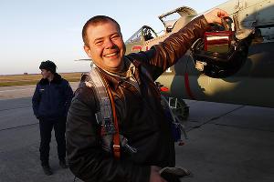 Встреча вернувшихся из Сирии военных летчиков в Приморско-Ахтарске ©Влад Александров, ЮГА.ру