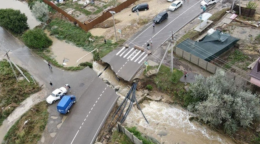 Так выглядела Анапа 14 августа ©© Фото из телеграм-канала «Типичный Краснодар», t.me/krd_tipich_ru