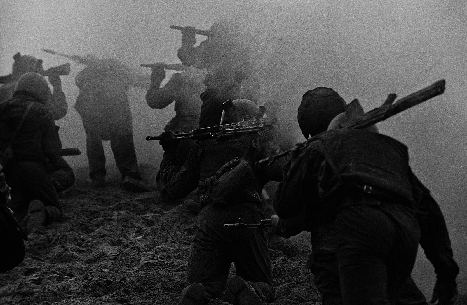 «Солдатский труд» ©Фото Владимира Вяткина, vladimir-vyatkin.photographer.ru
