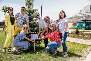 Семейный пикник в микрорайоне «Близкий» в Краснодаре ©Фото Михаила Чекалова