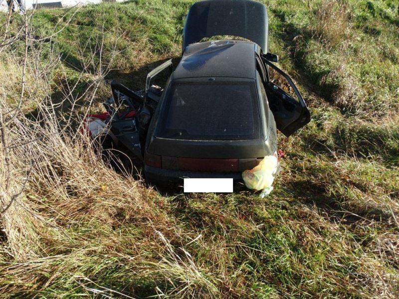 НаСтаврополье шофёр легковушки умер, врезавшись вотбойник