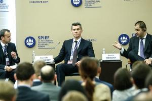 Зиявудин Магомедов ©Фото с сайта summagroup.ru
