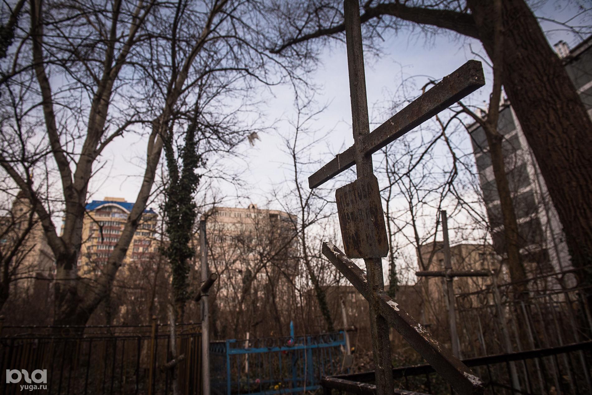Всесвятское кладбище ©Фото Елены Синеок, Юга.ру