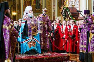Парадный расчет казаков Кубанского казачьего войска отстоял молебен перед отправкой в Москву ©Михаил Чекалов, ЮГА.ру