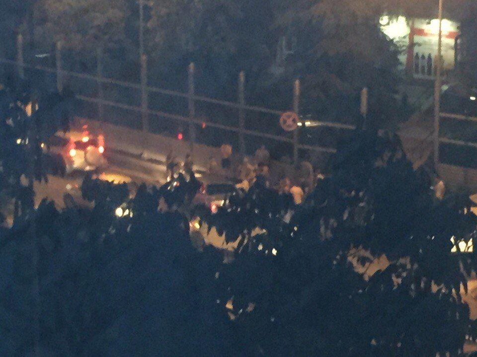 Автомобиль вСочи сбил 3-х пешеходов, втом числе ребенка