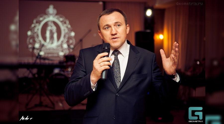 Будущий вице-губернатор Юрий Гриценко в своем Grand Cafe ©http://geometria.ru/kdr