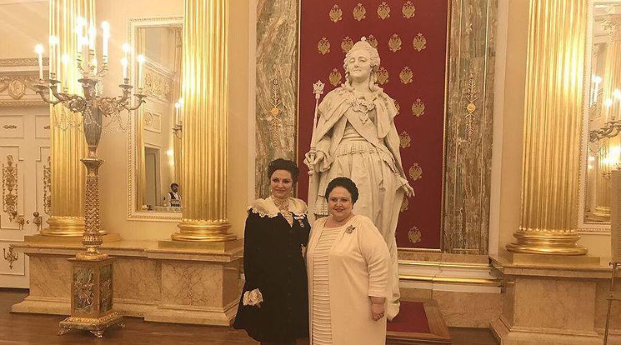 Мария Романова (справа) и Наталья Толстая ©Фото Wikimedia Commons
