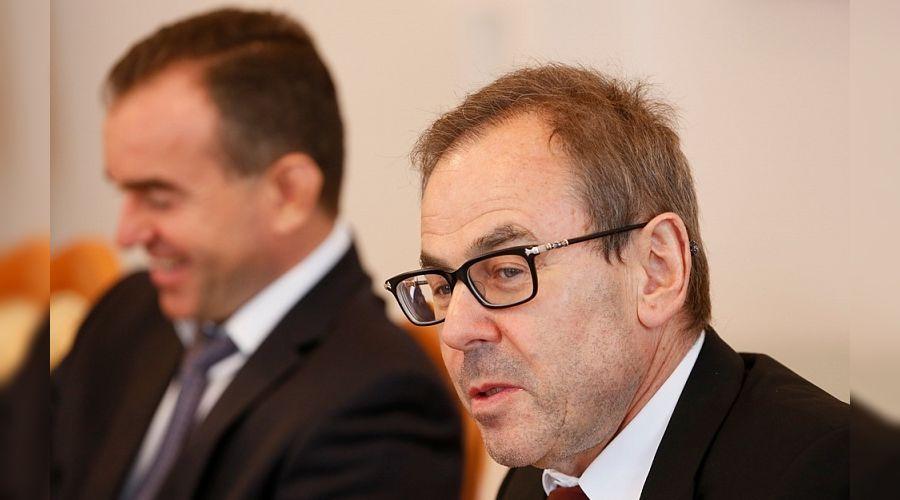 Мишель Литвак и Вениамин Кондратьев ©Фото пресс-службы администрации Краснодарского края