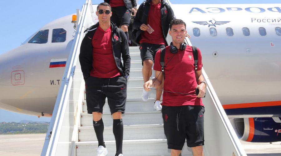 Сборная Португалии по футболу прилетела в Сочи ©Фото из аккаунта twitter.com/selecaoportugal