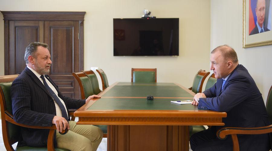 Пьер Паоло Лодиджиани и Мурат Кумпилов ©Фото пресс-службы главы Республики Адыгея