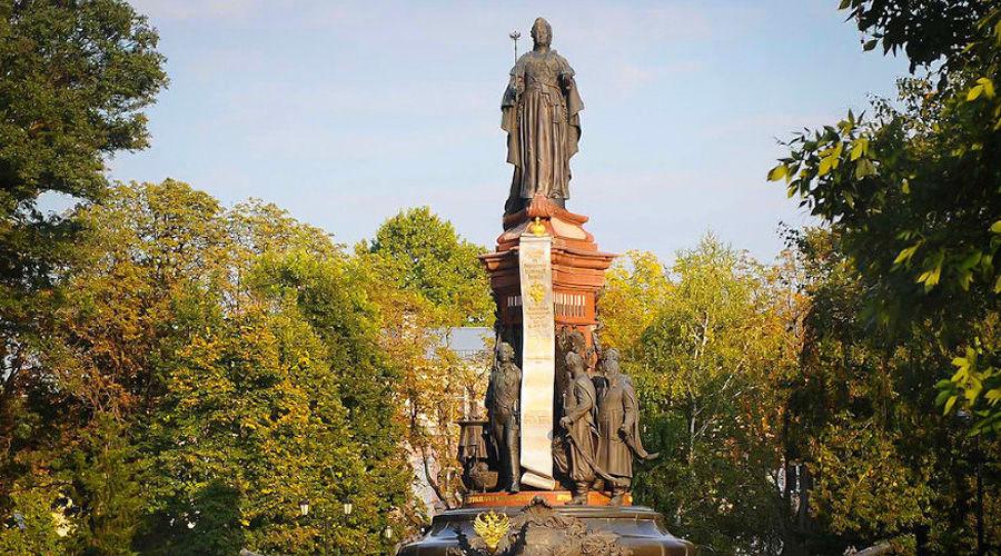 Памятник Екатерине II в Краснодаре ©Фото Алёны Живцовой, Юга.ру