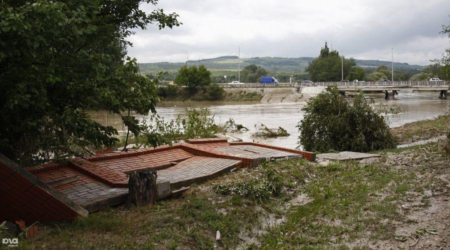 Наводнение в Крымске ©Влад Александров, ЮГА.ру