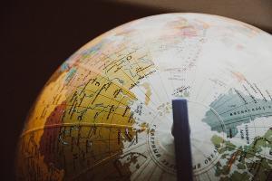 Глобус ©Фото с сайта pexels.com