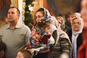 Митрополит Исидор провел Литургию в Крещенский сочельник ©Елена Синеок, Юга.ру