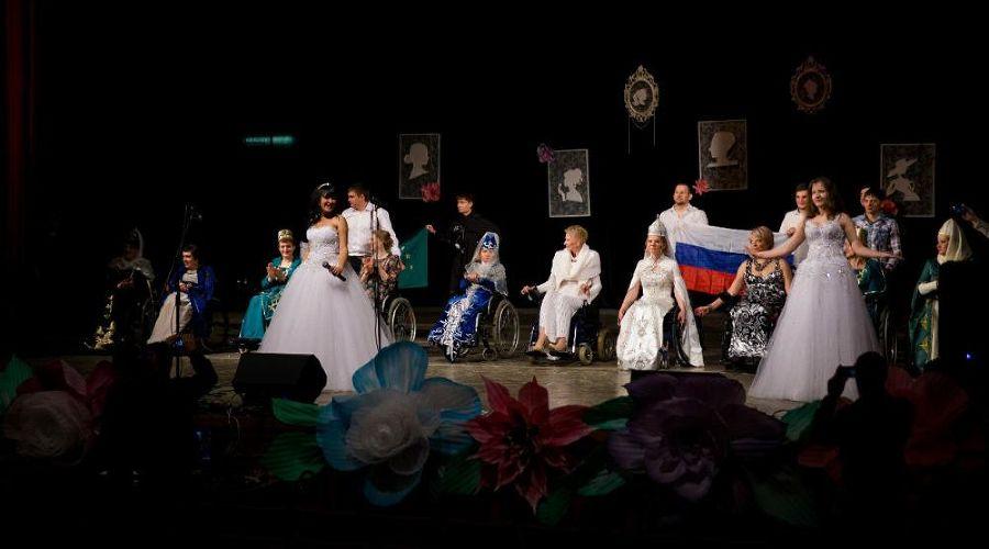 В Адыгее инвалиды-колясочники устроили модное дефиле для женщин с инвалидностью ©Фото Юга.ру
