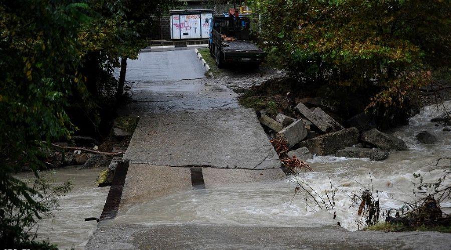 Затопленный Сочи ©Фото Нины Зотиной, Юга.ру