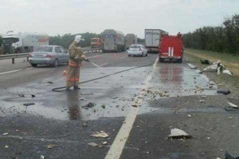 НаЮжном подъезде кРостову после ДТП зажегся грузовой автомобиль, умер шофёр
