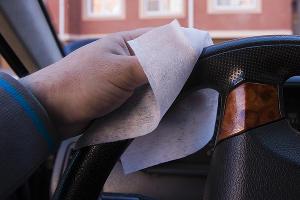 Дезинфекция автомобиля ©Фото Евгения Мельченко, Юга.ру