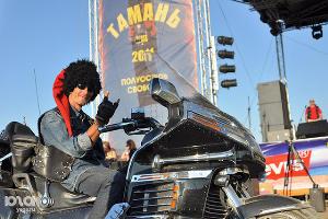 2011 год в фотографиях. Байк-фестиваль на Тамани ©http://www.yuga.ru/photo/810.html