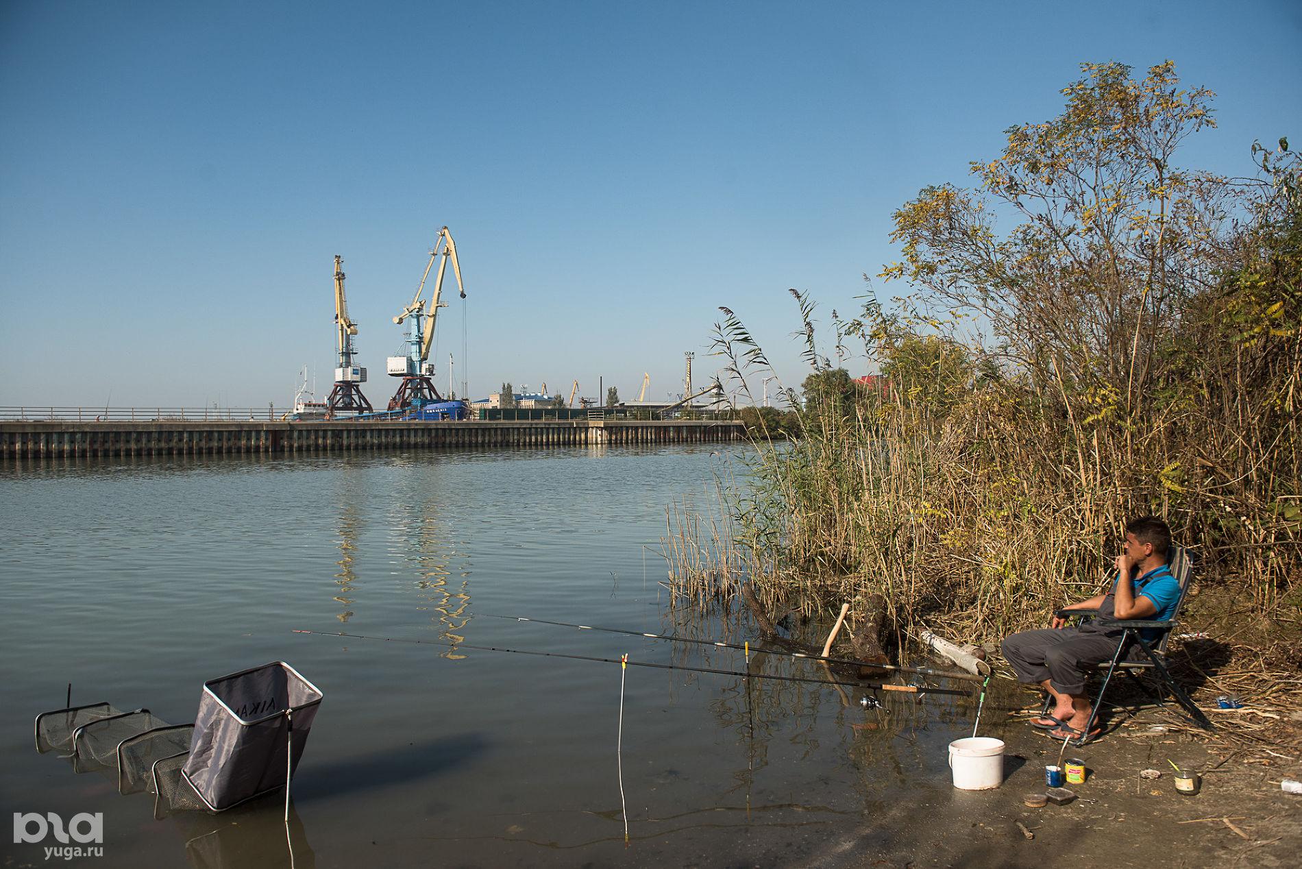 Темрюкский порт ©Фото Елены Синеок, Юга.ру