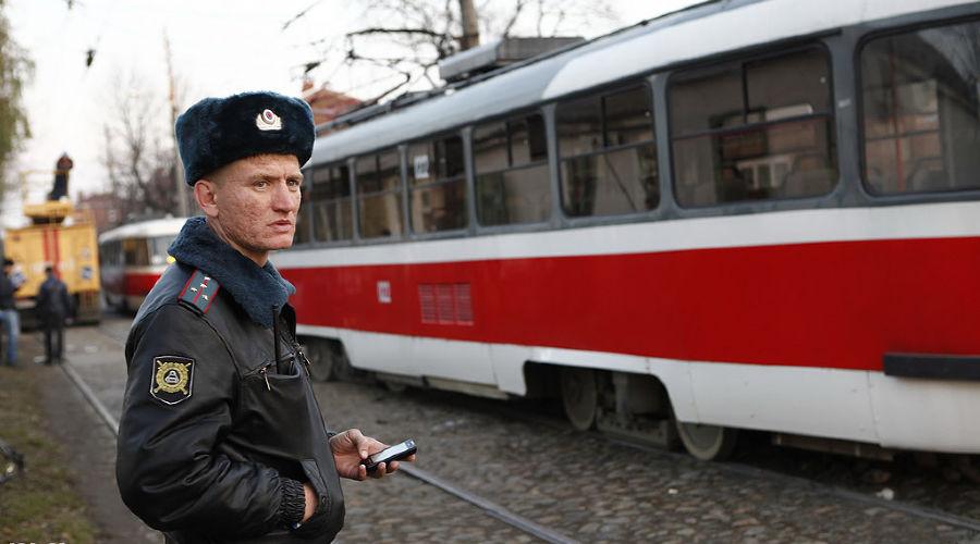 Трамвай врезался в дом в Краснодаре ©Влад Александров. ЮГА.ру