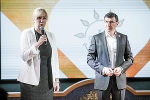 Анна Минькова (слева) ©Фото пресс-службы Сбербанка