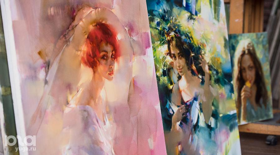 Картины Валерия и Инны Цукахиных ©Фото Елены Синеок, Юга.ру