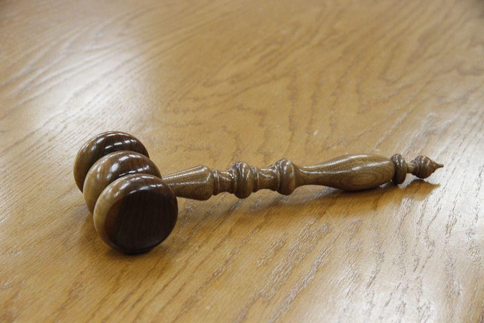 ВАрмавире девушка покусала судебного пристава